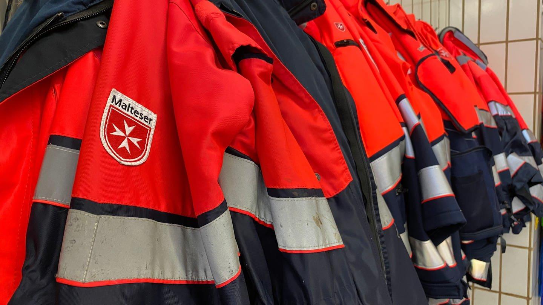 Uniformen von Malteser Notfallsanitätern in Heidelberg