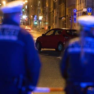 Polizisten in der Stuttgarter Innenstadt (Foto: dpa Bildfunk, picture alliance / dpa   Marijan Murat)