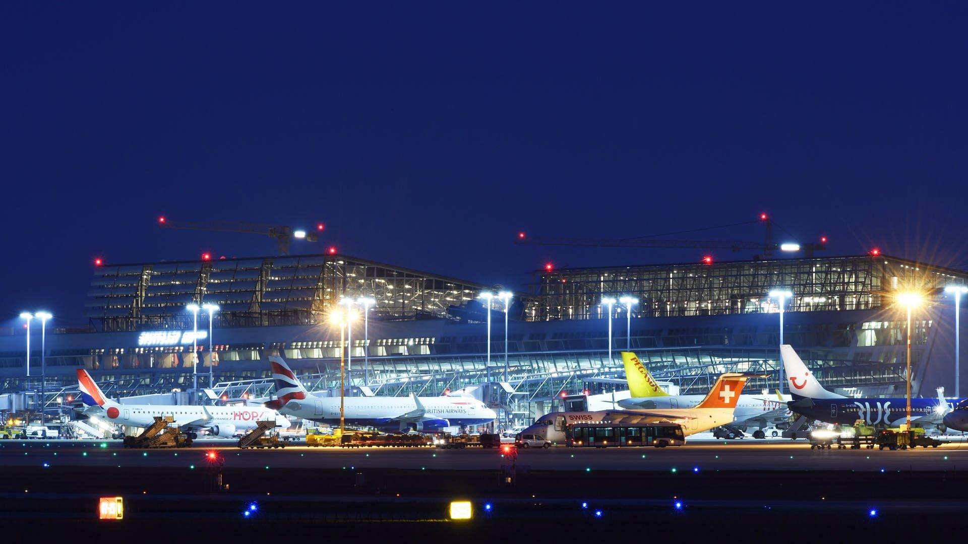 Warnstreiks Sorgen Für Ausfälle An Bw Flughäfen Swr