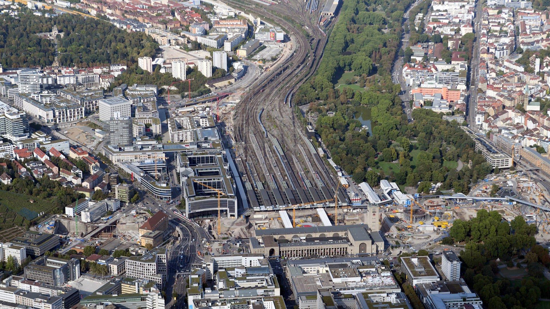 der Stuttgarter Hauptbahnhof im Spätherbst 2018