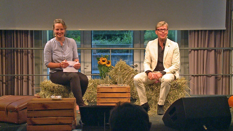 Hansy Vogt und Moderatorin Anita Westrup beim Talk-Abend im SWR Studio Freiburg (Foto: SWR)