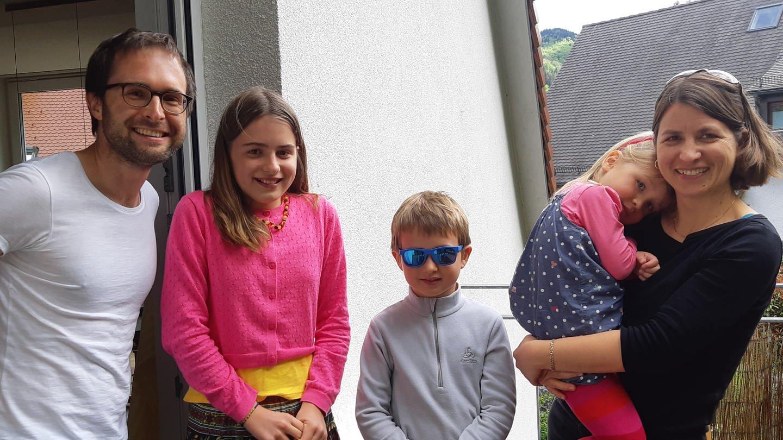 Familie aus Freiburg, die sich für die Öffnung der Grundschulen einsetzt (Foto: SWR, Sebastian Bargon)