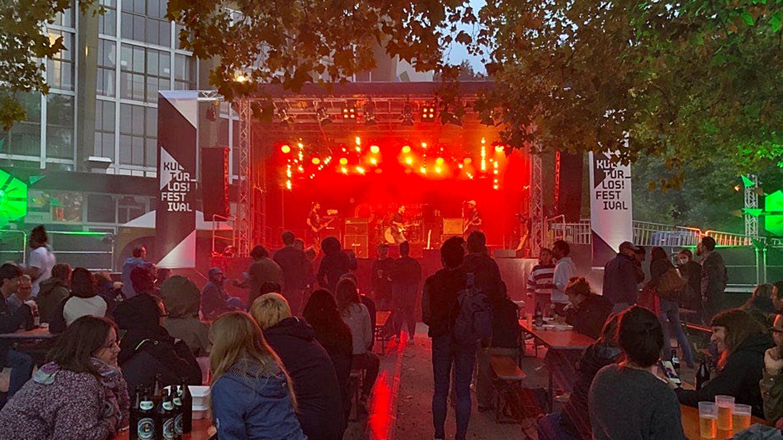 Initiative für die Künstlerszene: Kultur_los Festival in Freiburg