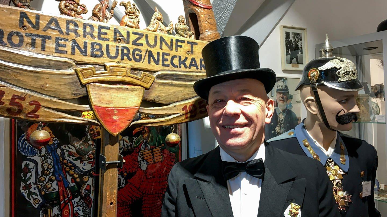 Clemens Fuchs, Beirat für Archiv und Brauchtum der Rottenburger Narrenzunft (Foto: SWR, Andrea Schuster)