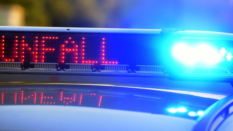 Zwei Tote bei Unfall auf B 39 bei Sinsheim (Foto: dpa Bildfunk, Picture Alliance)