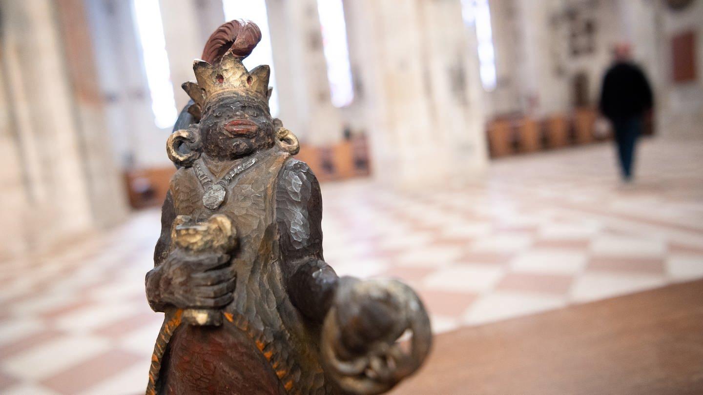 Die Figur des Melchior steht im Ulmer Münster. (Foto: dpa Bildfunk, picture alliance/Sebastian Gollnow/dpa)