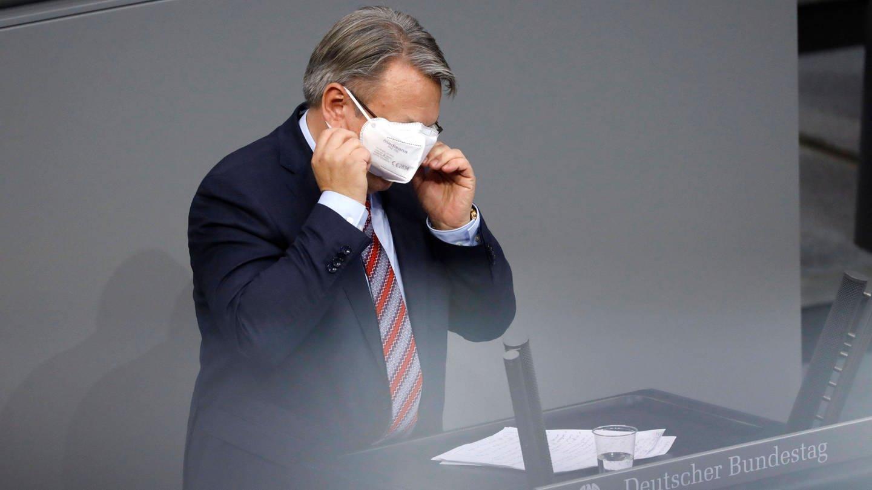 Ermittler hatten am Donnerstag Büros und Wohnungen von Unions-Fraktionsvize Nüßlein durchsucht. Der Bundestag hatte zuvor die Immunität des Abgeordneten aufgehoben. (Foto: Imago, IMAGO / Future Image)