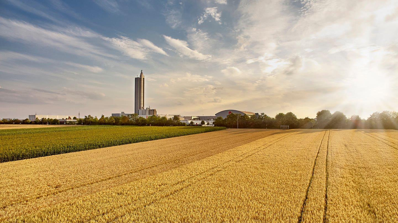 Schapfenmühle mit dem 115 m hohen Mühlenturm