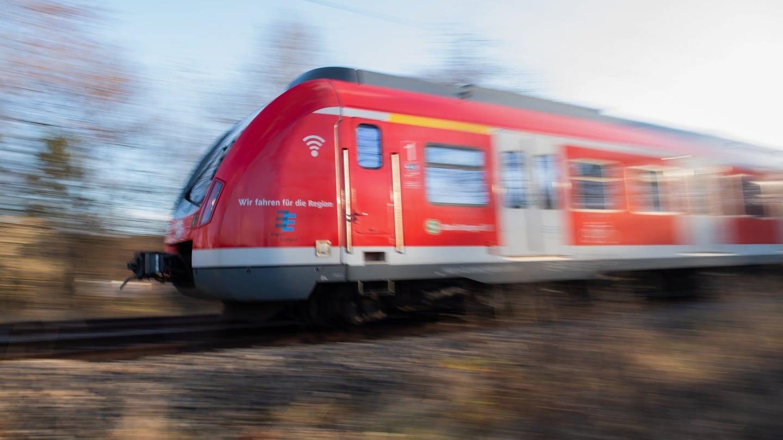 Der Geschäftsführer des Vereins Regio-S-Bahn Donau-Iller hält nicht viel von dem Vorschlag einer S-Bahn zwischen Ulm und Stuttgart. (Sujetbild)