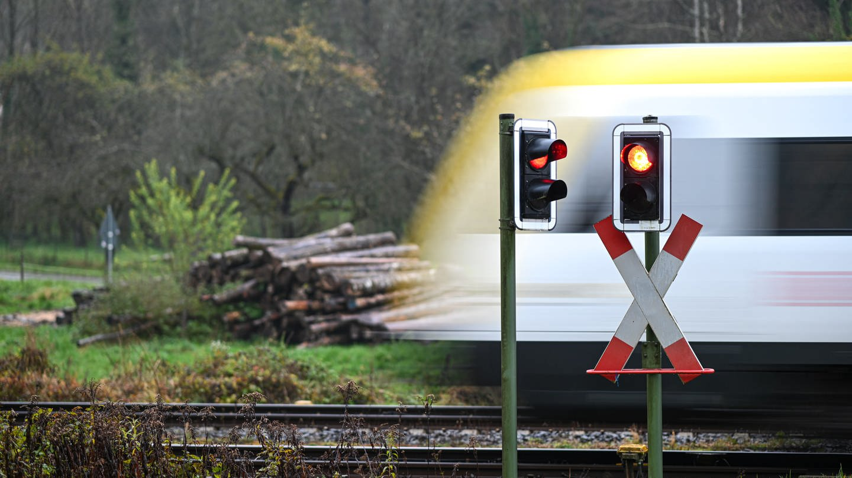 Ein Zug des Unternehmens Go-Ahead (Foto: dpa Bildfunk, picture alliance/Felix Kästle/dpa)