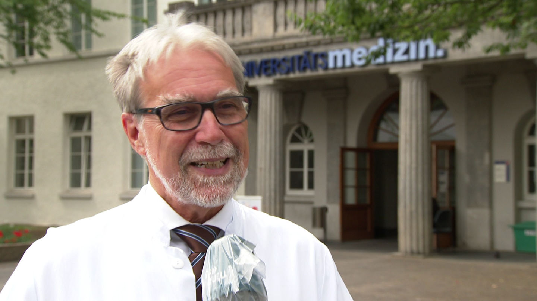 Professor Zepp von der Mainzer Uniklinik fordert, Kitas und Schulen wieder zu öffnen. (Foto: SWR)