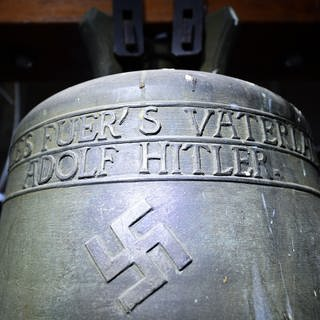 Glocke im Kirchturm der Jakobskirche in Herxheim.  (Foto: picture-alliance / Reportdienste, Picture Alliance)
