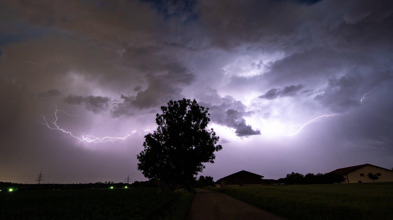 Super-Laser gegen Blitze auf dem Säntis ausgelöst