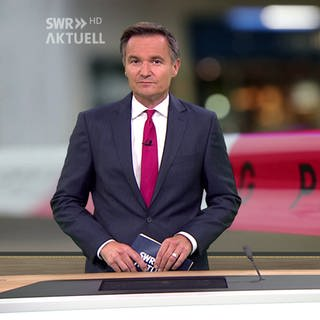 Nachrichtensprecher Sascha Becker (Foto: SWR)