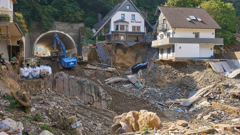Aufbauhilfe nach Flutkatastrophe