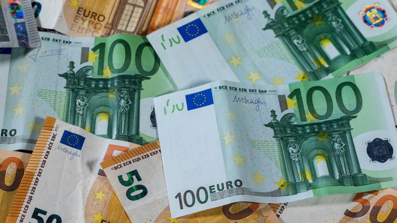 Geld (Foto: dpa Bildfunk, picture alliance/Jens Büttner/ZB/dpa)
