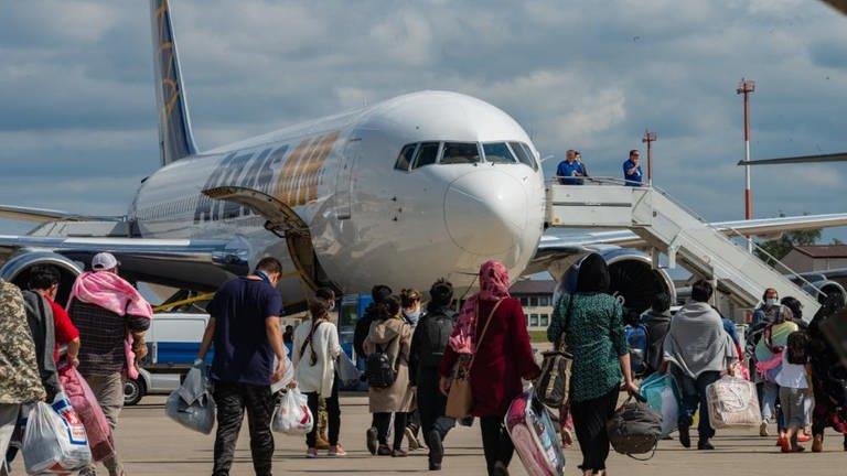 Wieder Flüge mit Afghanistan-Geflüchteten von Ramstein aus