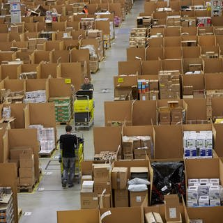 Amazon Koblenz (Foto: picture-alliance / Reportdienste, dpa/Thomas Frey)