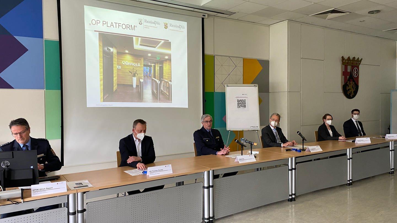 Pressekonferenz der Polizei Koblenz zur Zerschlagung einer internationalen Bande. (Foto: SWR)