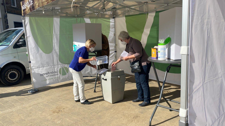 Wahlbus in Ahrweiler