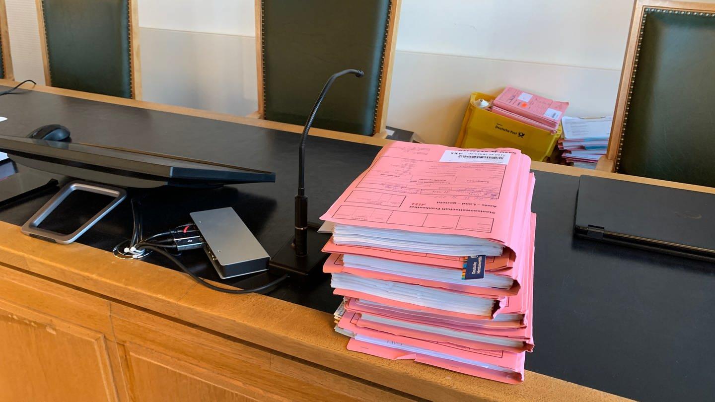 Akten im Landgericht Frankenthal (Foto: SWR)