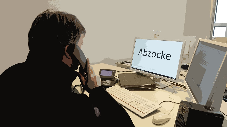 Betrüger am Telefon (Symbolbild) (Foto: SWR)