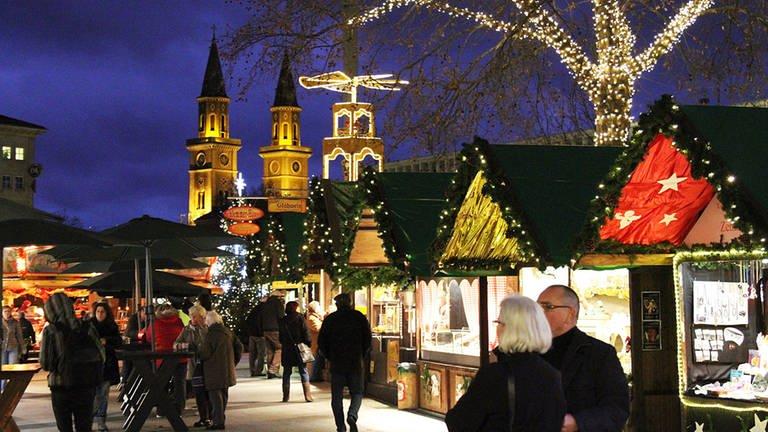 Ludwigshafener Weihnachtsmarkt auf dem Berliner Platz (Foto: Pressestelle, LUKOM GmbH)
