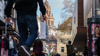 Einkaufen in der Mainzer Innenstadt in Corona-Pandemie (Foto: dpa Bildfunk, Picture Alliance)