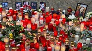 Nach der Amokfahrt in Trier trauern die Menschen um die Opfer. Ein Mann war mit seinem Auto durch die Innestadt von Trier gerast und hatte dabei fünf Menschen getötet.  (Foto: SWR, Ansgar Zender)