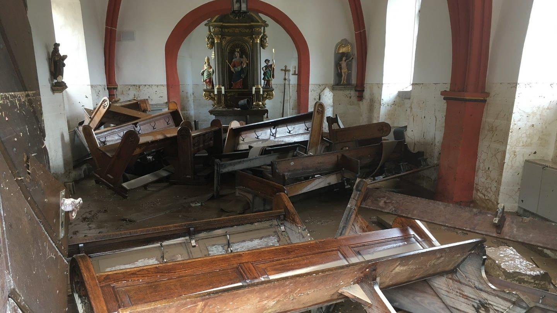Kirche St.Silvester nach der Überschwemmung