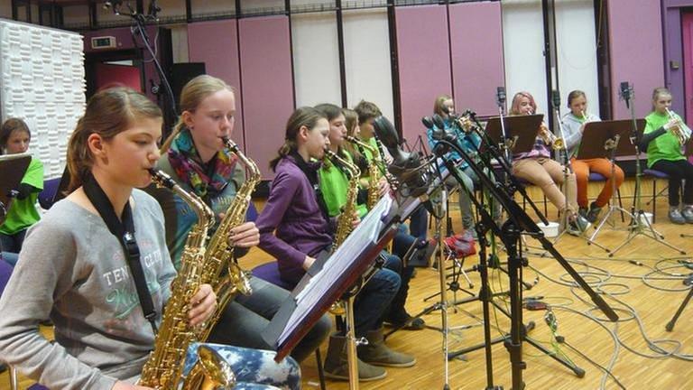 Workshop mit der 6b Bläserklasse der Geschwister-Scholl-Realschule Nürtingen (Foto: SWR, SWR -)