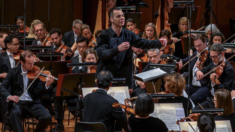 Teodor Currentzis dirigiert das SWR Symphonieorchester (Foto: SWR, wpsteinheisser)