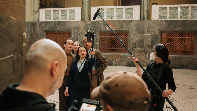 @ichbinsophiescholl behind the scenes (Foto: SWR, ©SWR/BR/Sommerhaus/Rebecca Rütten)