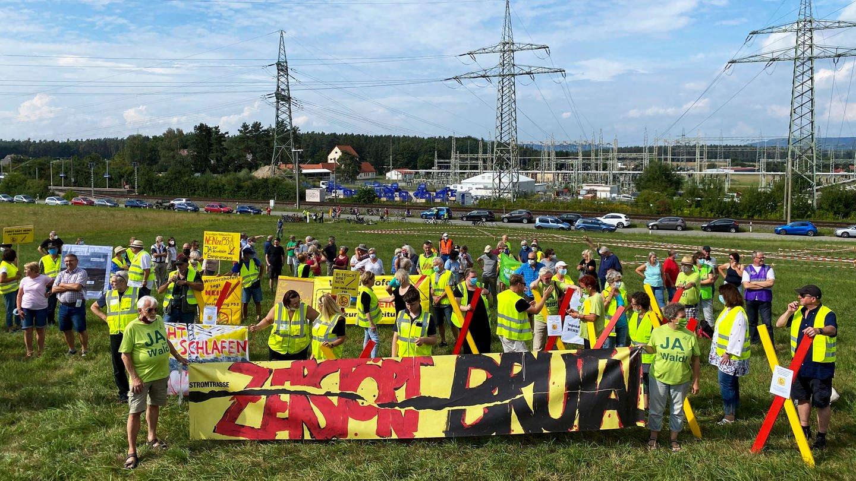 Demonstration gegen den Netzausbau in Franken. © SWR (Foto: SWR)