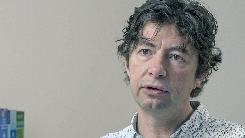 Prof. Dr. Christian Drosten im Gespräch für den Film © SWR/DocDaysProductions