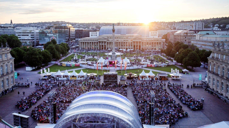 SWR Sommerfestival 2021 - Der Südwestrundfunk und das Land Baden-Württemberg veranstalten von Donnerstag, 19. bis Sonntag 22. August 2021 das SWR Sommerfestival auf dem Stuttgarter Schlossplatz.