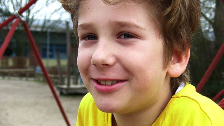 Kinder beobachten das Mediennutzungsverhalten ihrer Eltern