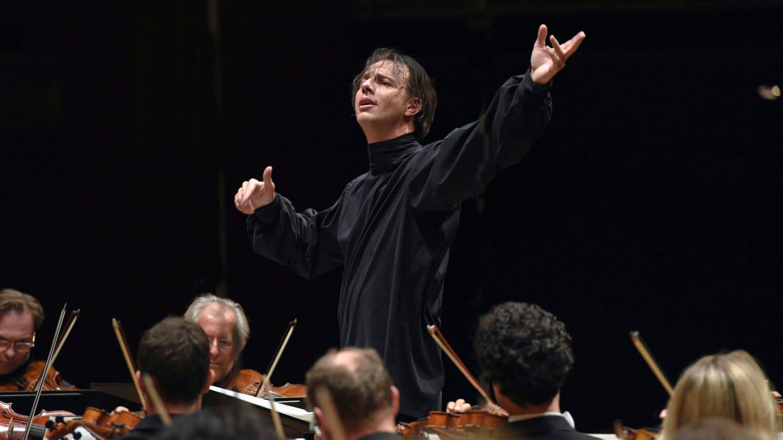 Teodor Currentzis gibt seinen Einstand als Chefdirigent beim SWR Symphonieorchester