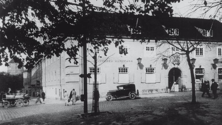Die SÜRAG zieht in das Haus des Deutschtums. (Foto: SWR)