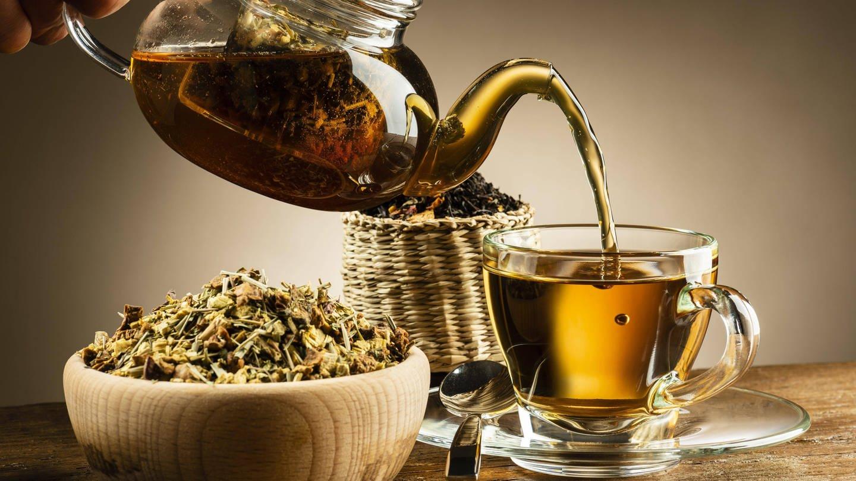 Lang gezogener Tee hilft bei Durchfall (Foto: Imago, imago images / Panthermedia)