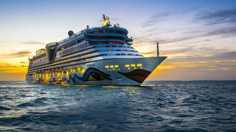 Kreuzfahrtschiffe dürfen nur Nassmüll, also Speisereste, im Meer entsorgen. Plastikmüll und Dosen dürfen nicht über Bord. (Foto: Imago, imageBROKER/Martin Moxter)