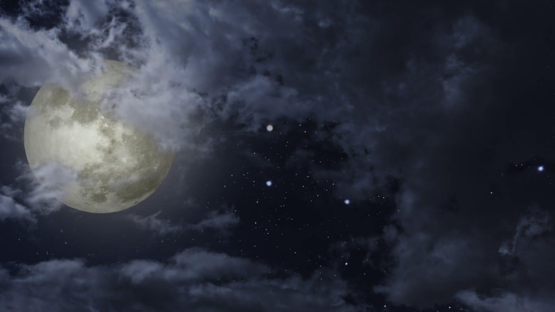 Mond mit Sternen am Nachthimmel (Foto: Imago, imago images / agefotostock)