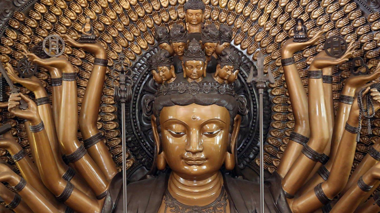 Avalokiteshvara im Kloster Lian Shan Shuang Lin in Singapur