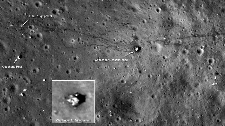 Da Foto, am 6. September 2011 von der NASA veröffentlicht, zeigt den Landeplatz von Apollo 17. Der Lunar Reconnaissance Orbiter (LRO) der NASA hat die schärfsten Bilder aufgenommen, die je aus dem Weltraum von den Landeplätzen von Apollo 12, 14 und 17 aufgenommen wurden, teilte die US-Raumfahrtbehörde mit. LRO war am 18. Juni 2009 zusammen mit dem Lunar Crater Observation and Sensing Satellite (LCROSS) zum Mond gestartet..