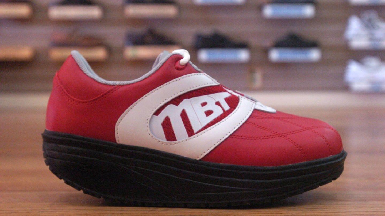 MBT Schuhe mit runder Sohle (Foto: Imago, imago images / ZUMA Press)