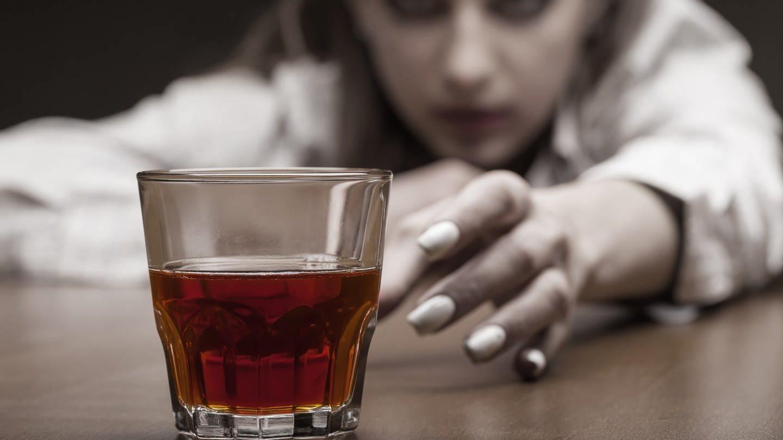 Erleichtert das Narkosemittel Ketamin den Ausstieg aus der Alkoholsucht? (Foto: Colourbox, Colourbox)