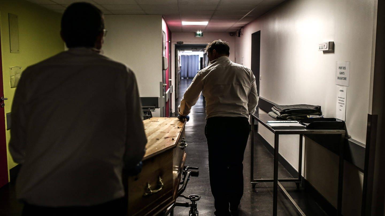 In Frankreich war das medizinische System durch die vielen schweren Covid-19-Erkrankten phasenweise völlig überlastet. (Foto: Imago, imago images/Hans Lucas)