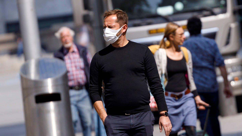 Die Hälfte der Befragten fühlt sich von der Bundesregierung nicht ausreichend über die Corona-Pandemie informiert.