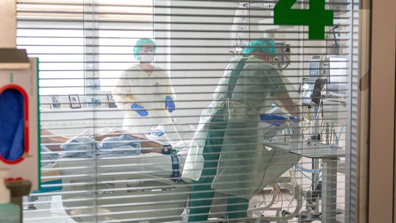 Engpässe gibt es vor allem beim Intensiv-Pflegepersonal. (Foto: Imago, imago images/xcitepress)