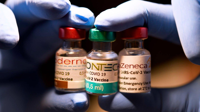 Corona-Impfstoffe (Foto: dpa Bildfunk, picture alliance / Laci Perenyi)